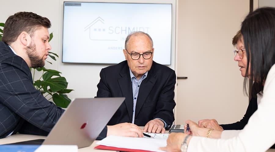 Team-Besprechung - Schmidt Immobilien
